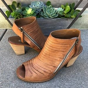 $349~PAUL GREEN~Tan Leather CAYANNE Sandals~8.5/9